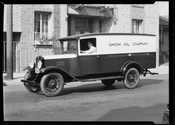 Union Oil truck, Southern California, 1930