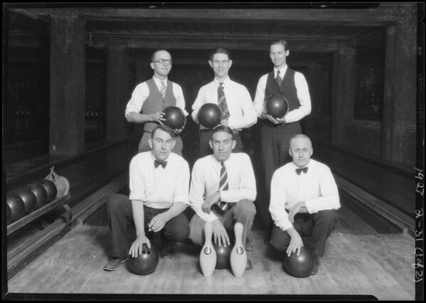 Bowling teams at Bimini Bowling alleys, Southern California, 1928