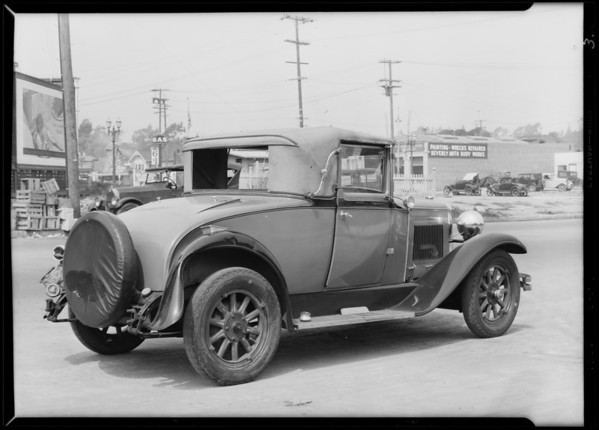 Wrecked Nash at 218 North Virgil Avenue, Los Angeles, CA, 1929
