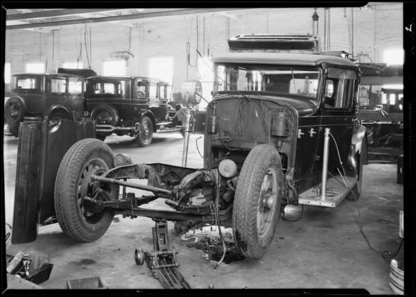 Wrecked Stutz car at Woodward Garage, Southern California, 1931