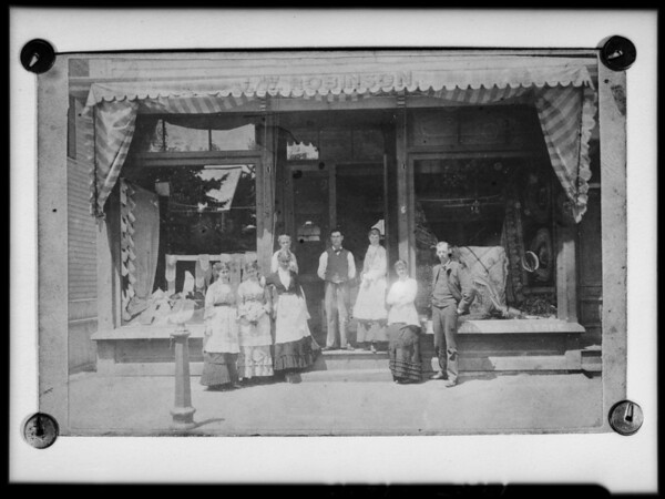 Copy of picture of J. W. Robinson Co. first store, Los Angeles, CA, 1925