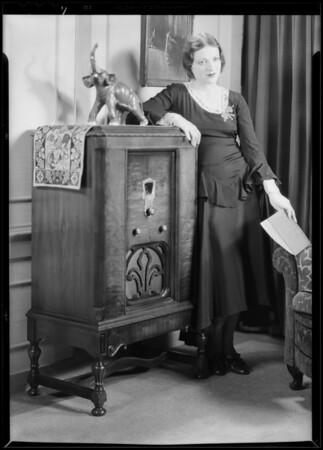 Carol Wines and radio, Southern California, 1930