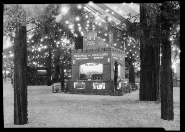 State of California agricultural booth, Southern California, 1930