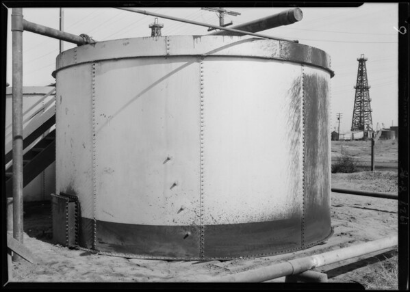 Tanks at Santa Fe Springs, CA, 1929
