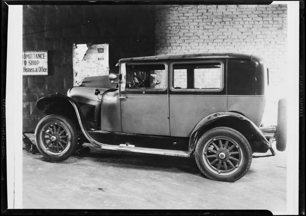 Wrecked Essex, Ferrara, Southern California, 1931