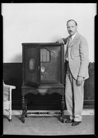 Radio at salesroom, Southern California, 1929