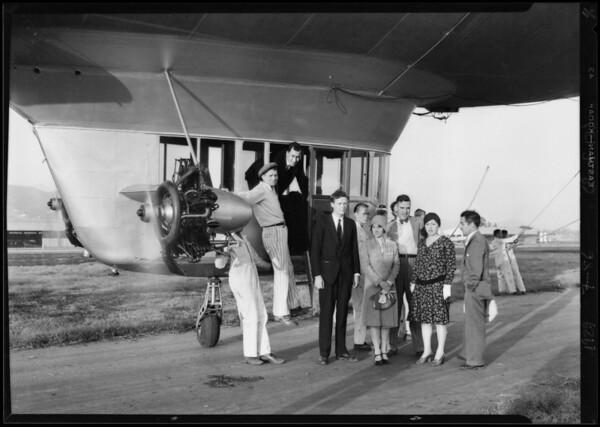 Lindbergh & Goodyear blimp 'Volunteer', Southern California, 1929