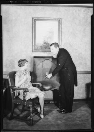 Cast of Edward Everett Horton show with Earle radio, Southern California, 1929