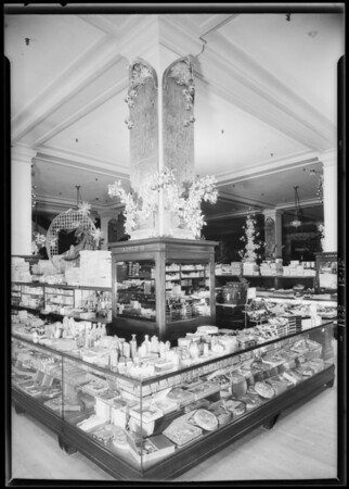 Christmas decorations, Broadway Department Store, Los Angeles, CA, 1925