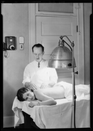 Sun tan machine in Lee Hotel, Southern California, 1929