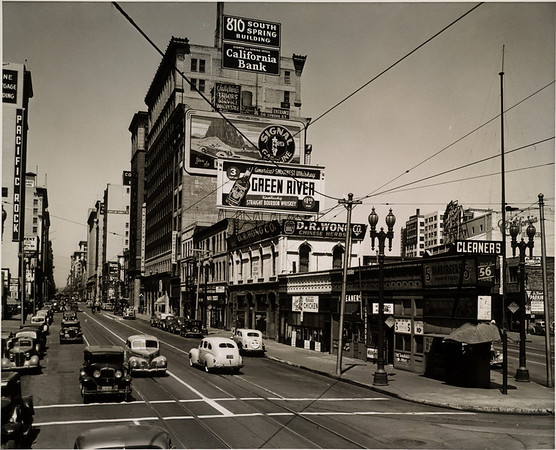 Facing north on South Spring Street between West Ninth Street and West Eighth Street in Downtown Los Angeles, 1939