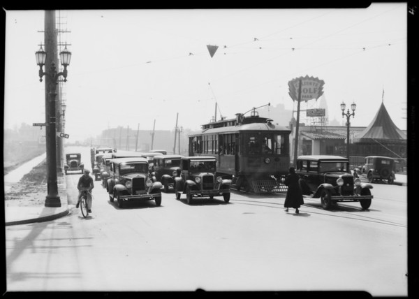 Scenes near 4th Street & Vermont Avenue, violations of zoning, traffic, etc., Los Angeles, CA, 1931