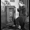 Carol Wines and radio, Southern California, 1930