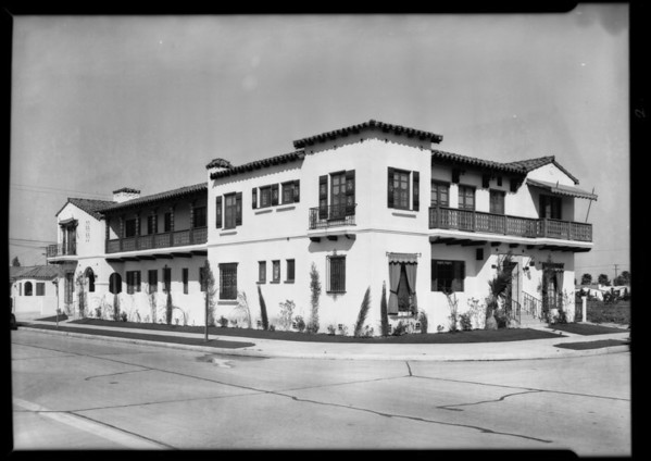 Duplex and apartment houses, Southern California, 1931