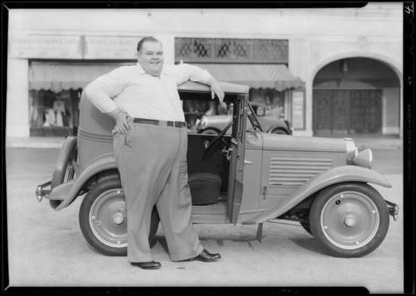 'Happy' Moore, 500 lbs, at Warner Brothers Theatre, 401 West 7th Street, Los Angeles, CA, 1930