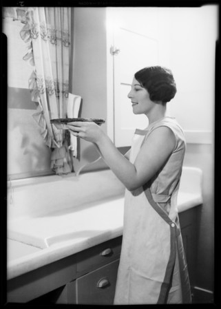 Mrs. James Parker, user of Parfay, 424 Arden Avenue, Glendale, CA, 1931