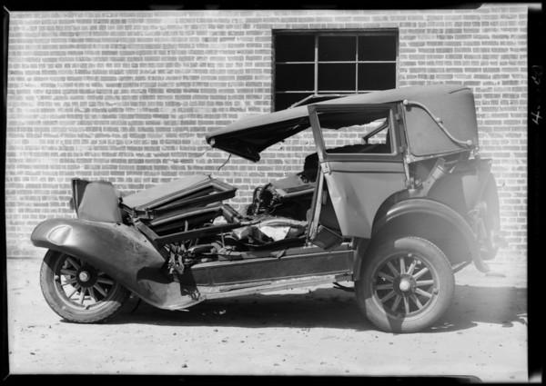 Wrecked Pontiac at 6511 South Avalon Boulevard, Los Angeles, CA, 1931