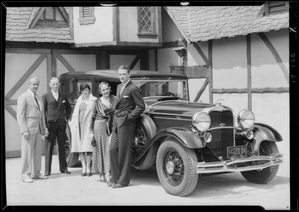 Lincoln car - Constance Cummings and John Wayne, Southern California, 1931