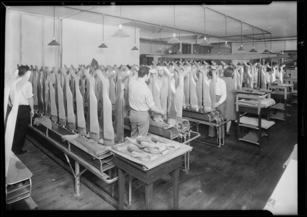 Interiors of plant, Mission Hosiery Mills, Southern California, 1931