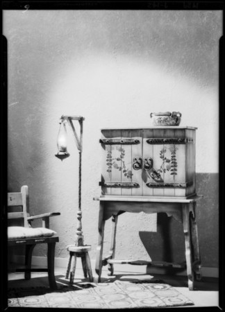 Invincible radio, monterey pattern, Southern California, 1929