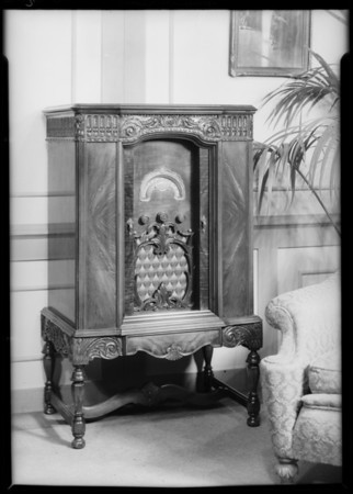Large cabinet model with station selector, Lyrie Radio, Southern California, 1931