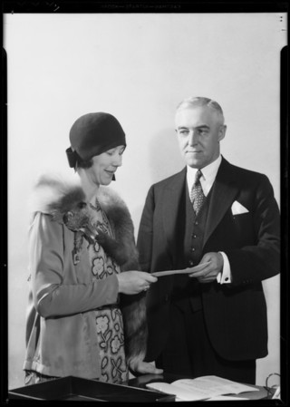 President Kerr of Chamber of Commerce and winner of Trans World Airlines slogan, Southern California, 1931