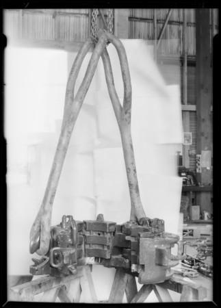 Dunn slip elevator with links at Wilson-Willard, Southern California, 1929