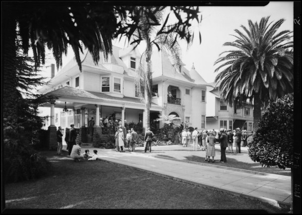 Crowd at sale, 834 West 28th Street, Los Angeles, CA, 1929