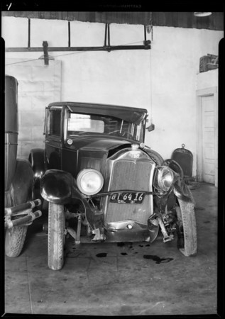 Wrecked Buick coupe, R. V. Morris assured, Universal Insurance Co., Southern California, 1931