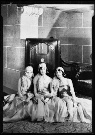 Earl Carroll players & radio at Music Box Theatre, Los Angeles, CA, 1929