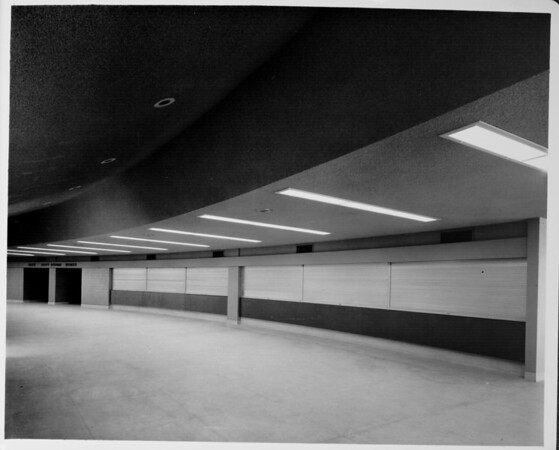 Los Angeles Memorial Sports Arena, interior view, lobby