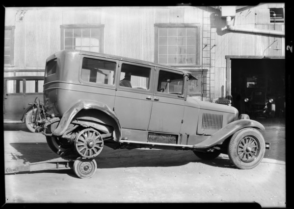 Cadillac sedan, Wilshire Oil Co. assured, Southern California, 1931