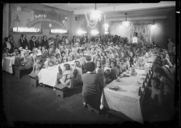 Kiddies party, Broadway Department store, Los Angeles, CA, 1930