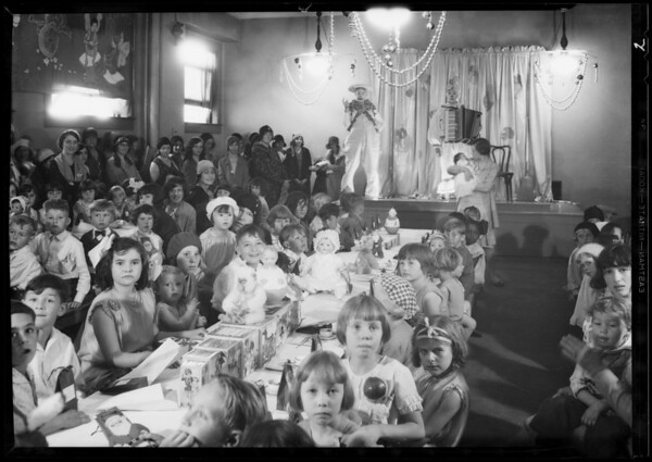 Kiddies party, Broadway Department store, Los Angeles, CA, 1930
