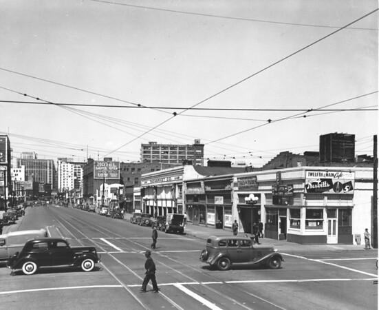 Main Street, looking north at Twelfth Street, Twelfth & Main Cafe, The Market Company, Hotel Santa Rita