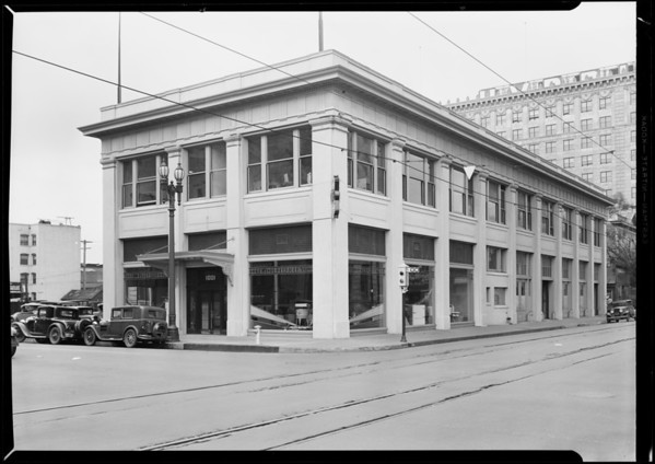 New shot of building, 10th Street [Olympic Boulevard] and Hope Street, 1001 South Hope Street, Los Angeles, CA, 1931