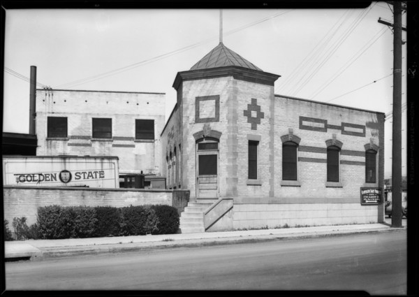 Interior & exterior of plant, Co-operative dairy, Los Angeles, CA, 1931