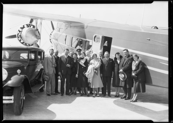 Standard Oil executive etc., at United Airport [Bob Hope Airport], Burbank, CA, 1931