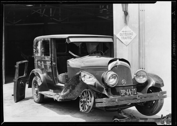 Wrecked Chrysler, Auto Club of Southern California, Southern California, 1929