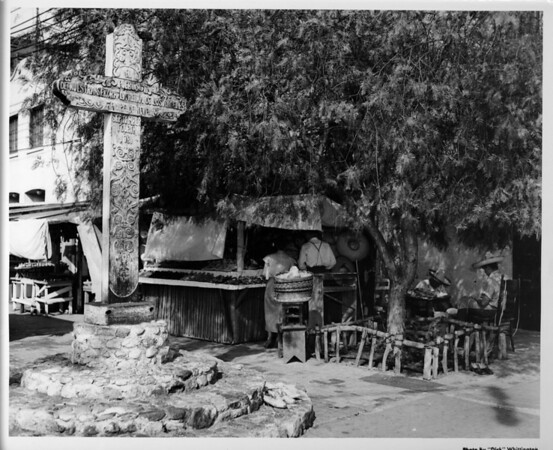 Olvera Street, cross