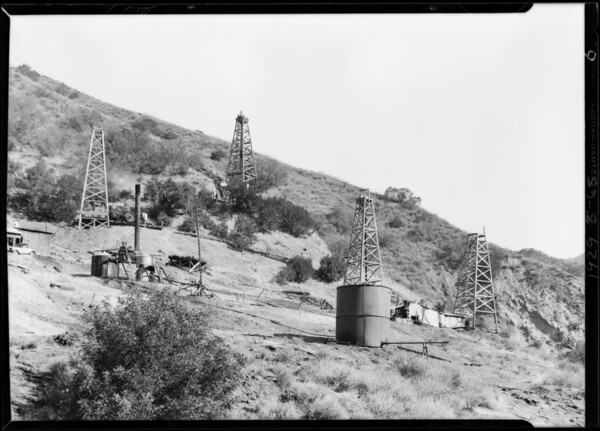 Oil wells near Newhall, Southern California, 1929