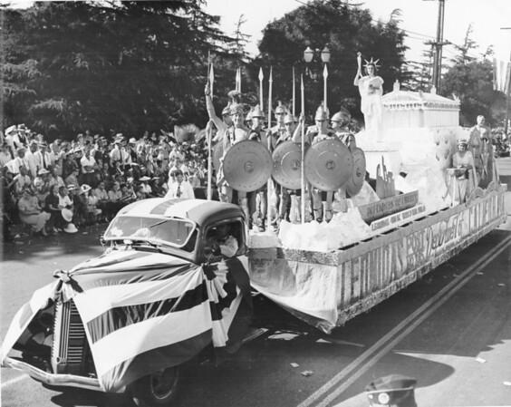The float representing Leonidas, California, in the American Legion Parade