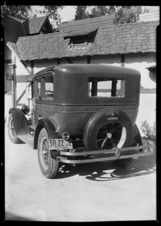 Wrecked cars, Southern California, 1930