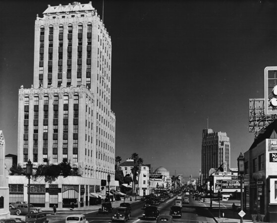 Looking east from the corner of Wilshire Boulevard and Saint Andrews Place