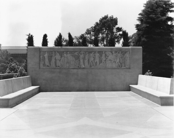 Memorial Gateway at Exposition Park, Los Angeles, after 1932
