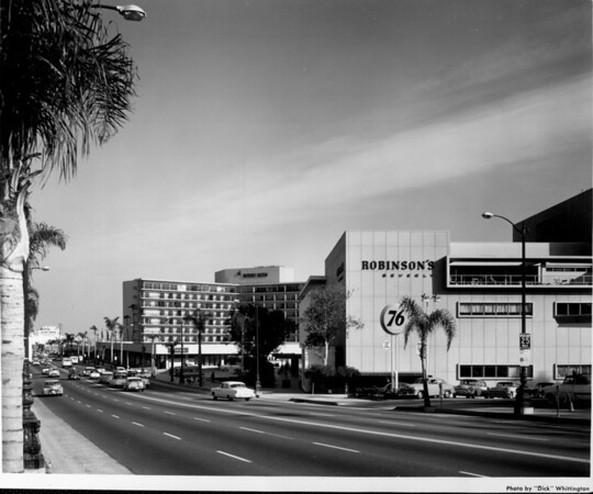 A long view of the Beverly Hilton Hotel along Wilshire Boulevard