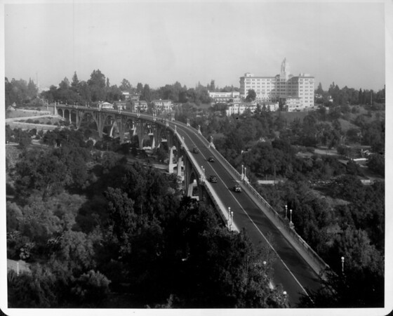 An aerial view of the Pasadena Bridge with the Vista Del Arroyo Hotel in the background