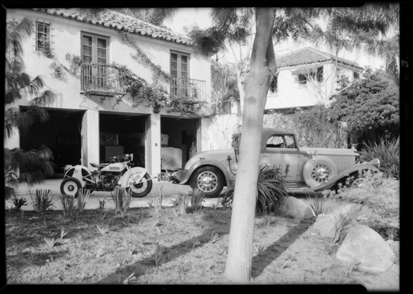 Cars towed to driveways etc, Cycletow, Southern California, 1932