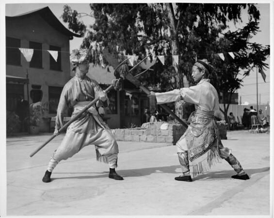 New Chinatown, fighting demonstration, costumes