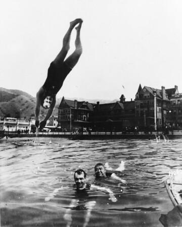 Shriner's having fun at the Hotel Metropole swimming pool in Avalon